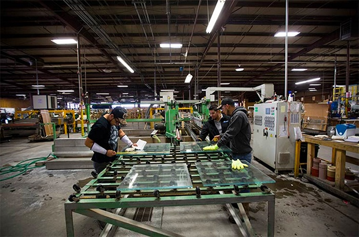 Dillmeier Cutting Glass to Size